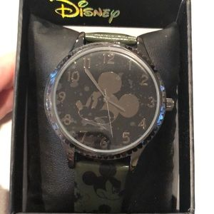Disney Mickey Mouse black large dial watch